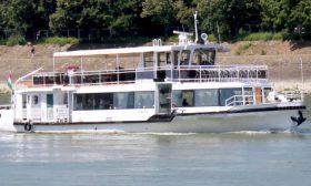 Kisduna-4-VIP-rendezvényhajó-01-Budapest-Hajóbérlés