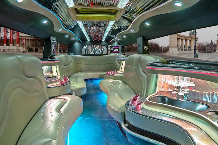 Party limuzin bérlés Budapest - H2 Hummer limuzin