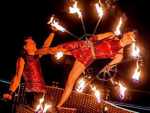 Tűzzsonglőr show műsor rendelés rendezvényre