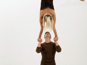 Chinese Pole akrobata duó show Budapest